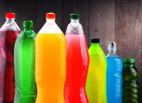 Cancer : les sodas et les jus de fruits augmentent le risque