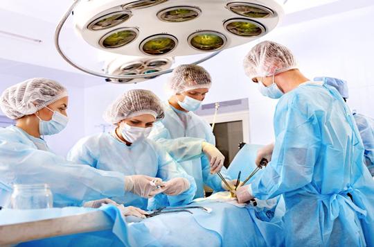 Cancer bronchique : baisse de la mortalité hospitalière après chirurgie