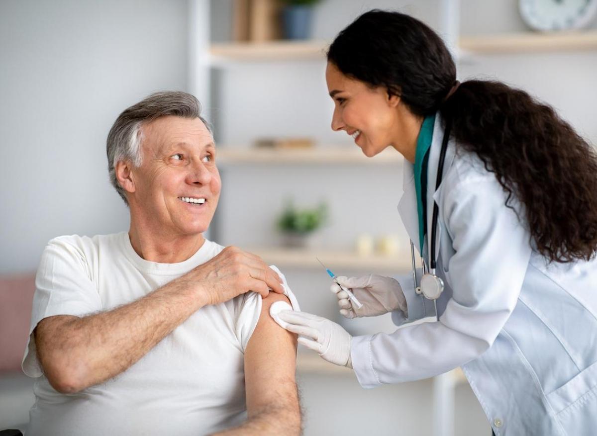 Covid-19 : une 3ème dose de vaccin chez les plus de 60 ans en Israël