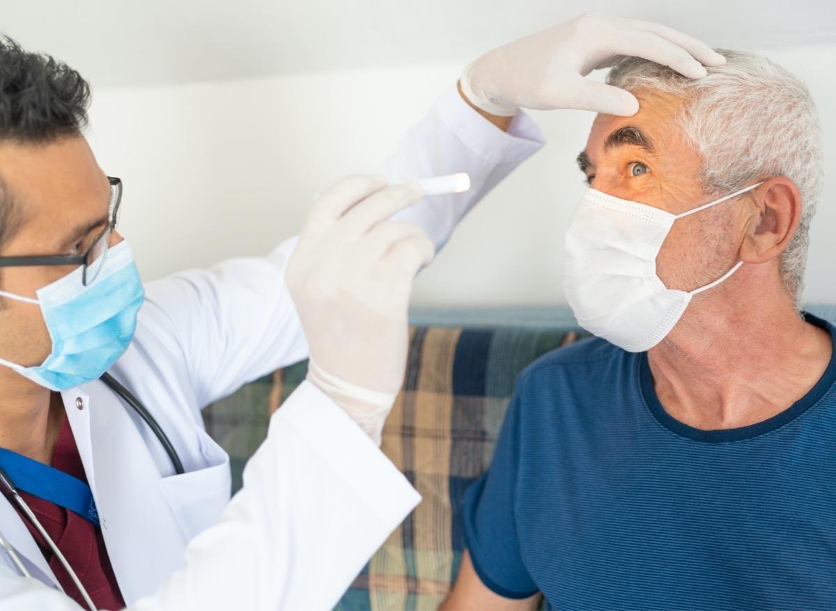 Covid-19 : le virus toucherait aussi les globes oculaires