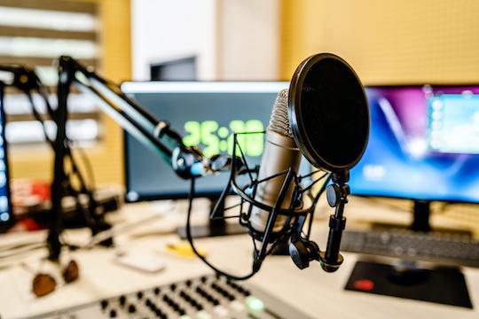Déconfinement : la compréhension de la Covid-19 et ses traitements, les enseignements du télétravail, le Ségur de la Santé... la synthèse audio