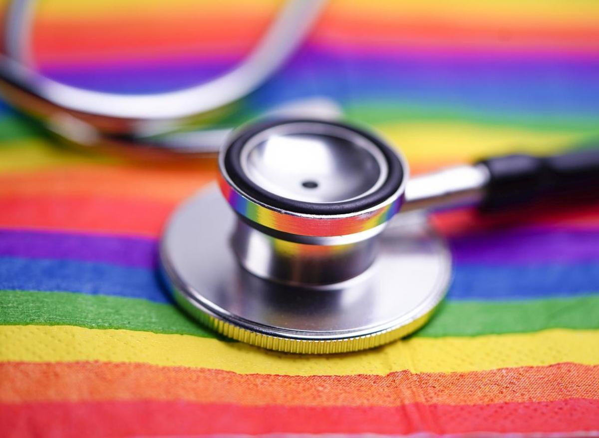 Comment les discriminations affectent la santé des personnes LGBT+