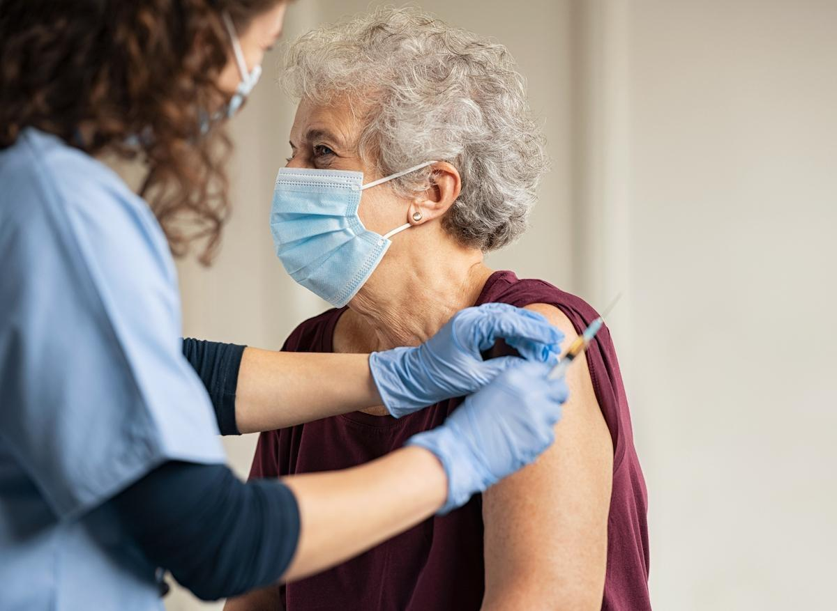 Vaccination Covid-19 : mode d'emploi pour les plus de 75 ans