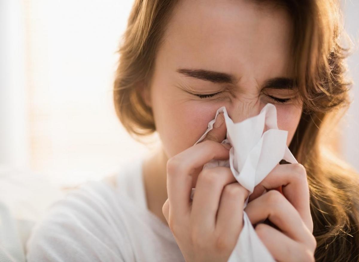 Pandémie : les cas de rhumes, gastros et angines explosent en ce moment