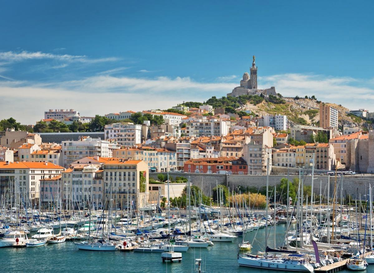 Covid-19 : les nouveaux cas doublent toutes les 48 heures à Marseille