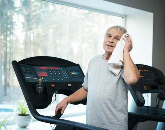 Réhabilitation pulmonaire : une meilleure tolérance à l'exercice avec la marche en descente
