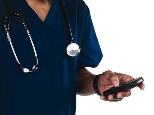 Burn-out : beaucoup de soignants appellent le numéro vert à l'aide
