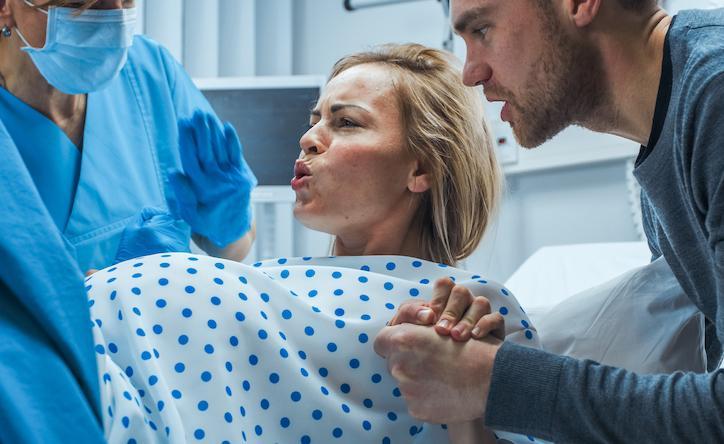Grossesse : le déclenchement à 41 semaines réduit les complications périnatales