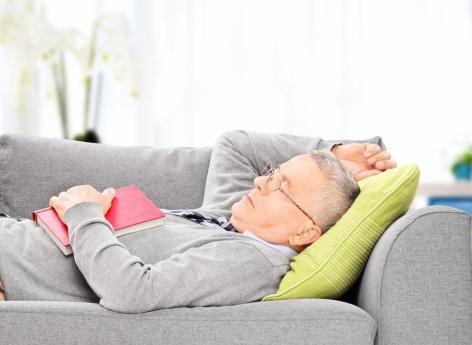 Alzheimer : les siestes fréquentes, signe précoce de la maladie