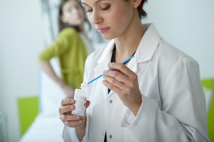 Cancer du col : inclure le dépistage du HPV améliore la performance