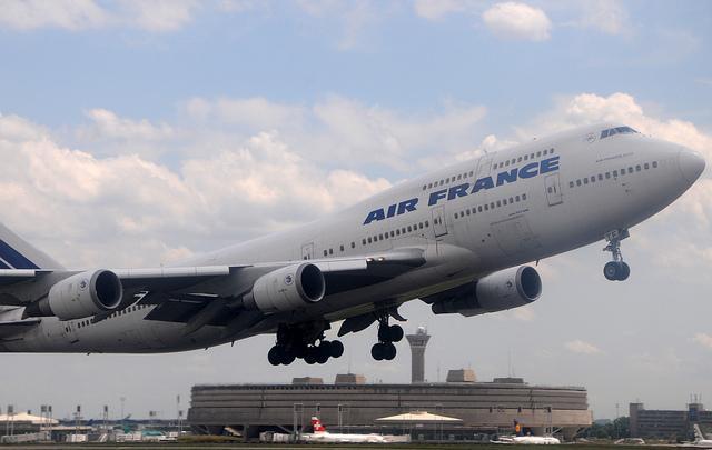 Nuisance sonore: l'hypertension artérielle décolle près des aéroports