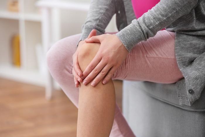Gonarthrose : effet bénéfique des bisphosphonates chez les femmes ménopausées