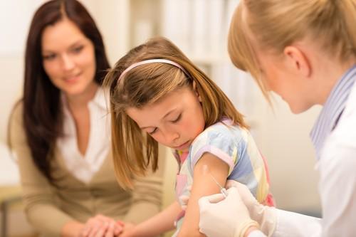 Méningite C : le HCSP veut améliorer la couverture vaccinale