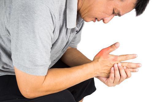 Goutte : augmenter l'allopurinol au-delà de 300 mg/jour pour atteindre les objectifs