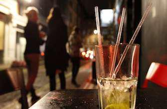 Alcoolisation des jeunes : un livre accuse les lobbies et les politiques