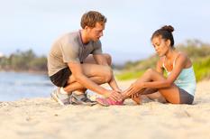 Rupture du tendon d'Achille : équivalence de la réhabilitation et de la chirurgie mini-invasive