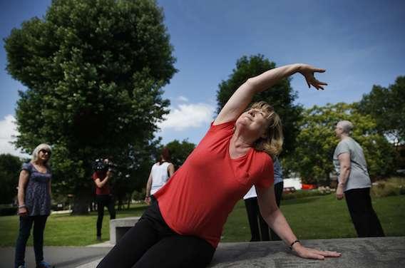 Maladie de Parkinson : l'exercice physique plutôt que la kinésithérapie