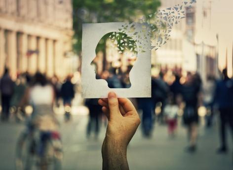 Alzheimer: un trouble de la mémoire dès 20 ans dans les familles à risque
