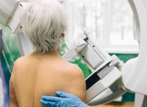Cancer du sein: la mammographie 3D améliore le dépistage après 65 ans
