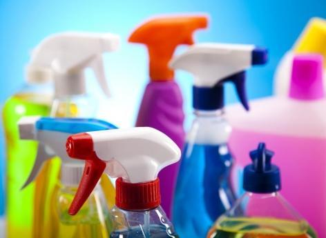 Pollution de l'air intérieur: toxicité des produits ménagers