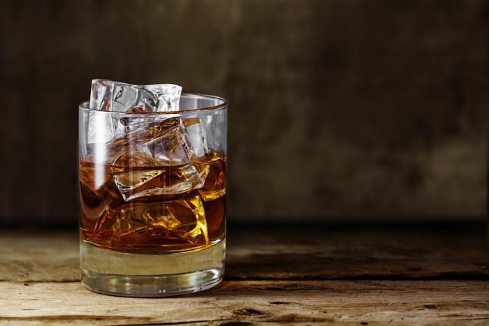 Alcoolisme : l'ANSM autorise la prescription du baclofène