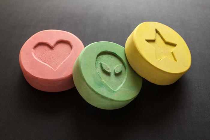 MDMA :  la drogue aurait un incroyable potentiel pour traiter le stress post-traumatique