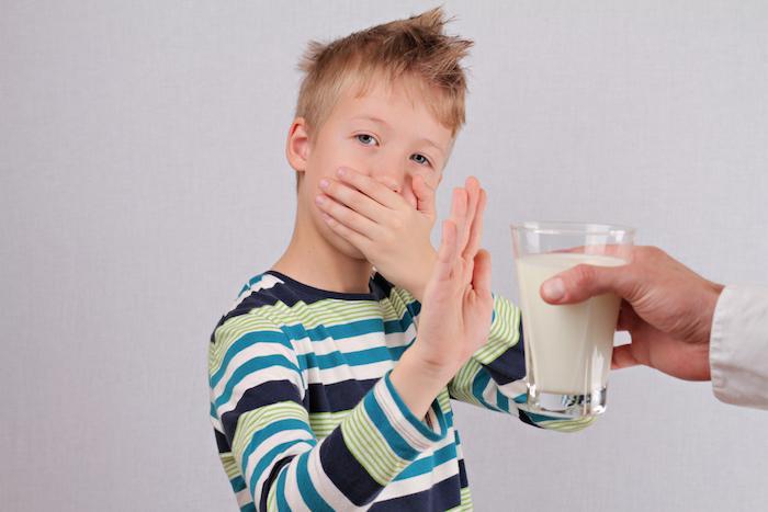 Allergies alimentaires : l'allergie au lait de vache impacte la croissance