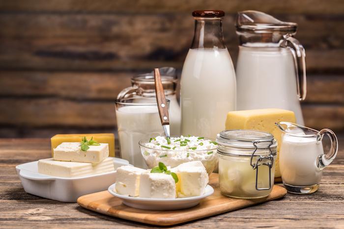 Maladies cardiovasculaires : consommer des produits laitiers entiers réduit le risque