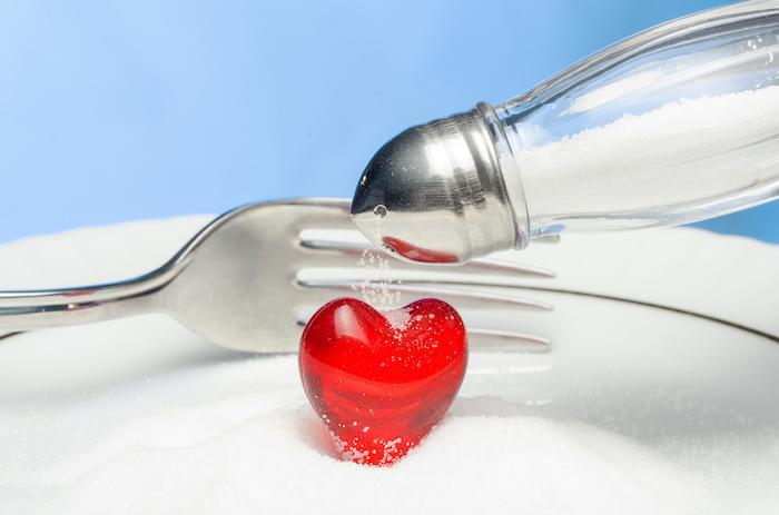 Hypertension : un régime sain et équilibré ne compense pas les effets d'une surconsommation de sel