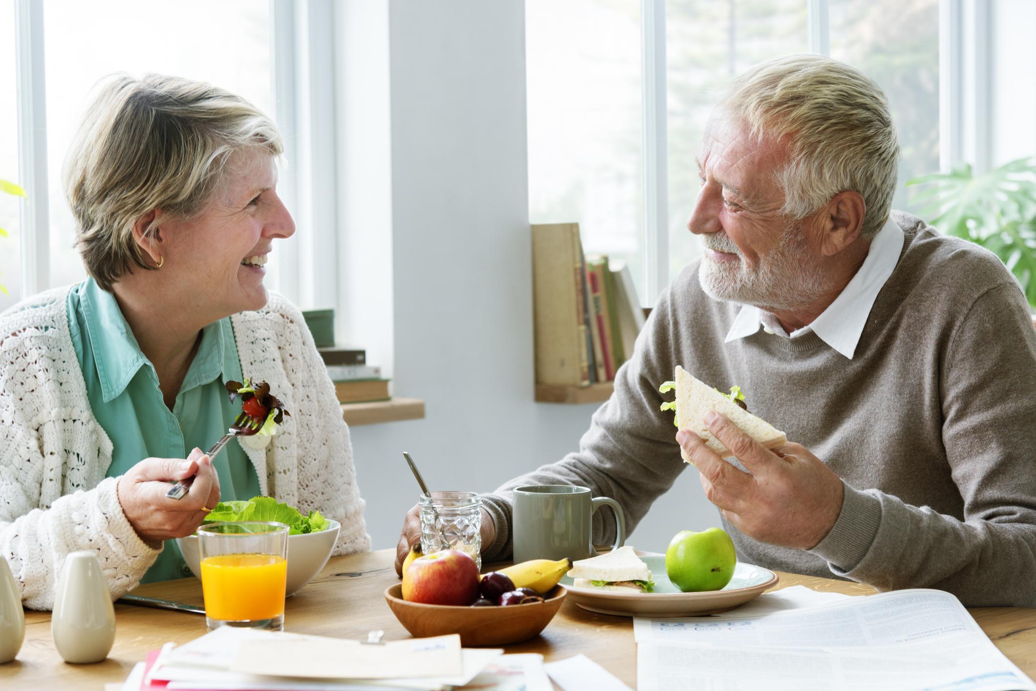 Vieillissement : réduire sa ration calorique pourrait prévenir les maladies liées à l'âge
