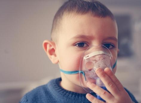 Asthme de l'enfant : les oméga-3 réduiraient les symptômes