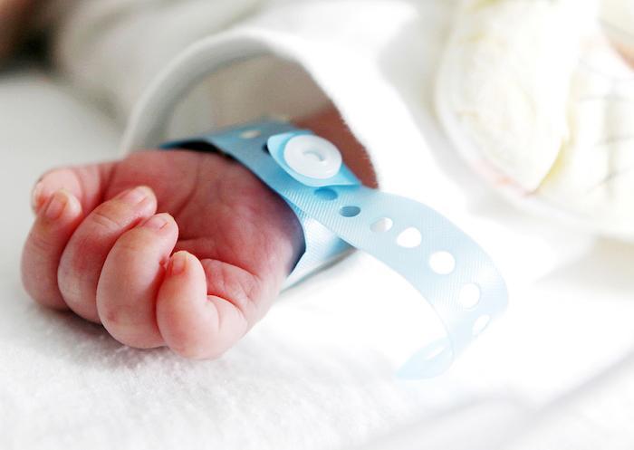 Première mondiale : un bébé est né à partir d'un utérus prélevé chez une femme décédée