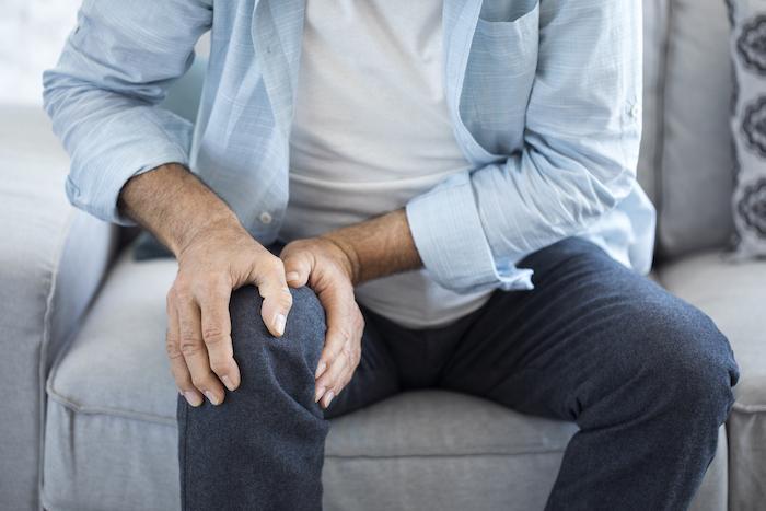 Arthrose du genou : laisser la douleur s'installer expose au risque qu'elle dure
