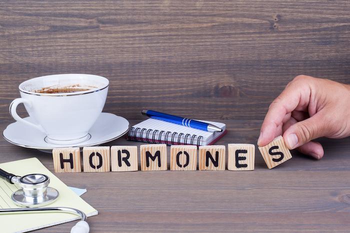 Déficience cognitive légère : l'hormonothérapie ralentit le déclin cognitif des femmes ménopausées