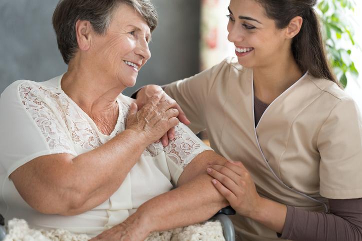 Alzheimer : où en est la prise en charge des patients en France ?