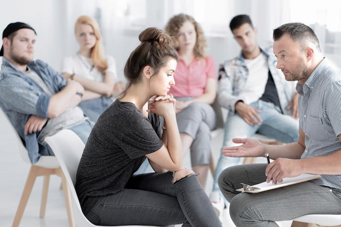 Dépression : la thérapie cognitive associée aux antidépresseurs améliore les patients