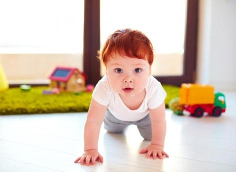 Obésité infantile : un lien avec des substances chimiques dans la poussière des maisons