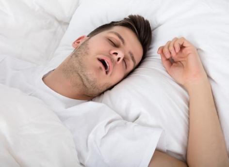 Apnée du sommeil : somnoler augmente le risque de maladies cardiovasculaires