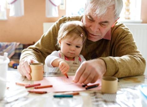 Pères âgés : des risques pour la mère et l'enfant
