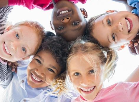 Tics : les enfants ne s'en débarrassent jamais complètement mais ils les maîtrisent