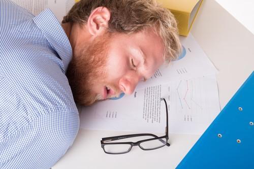 Diabète : les siestes longues augmentent le risque
