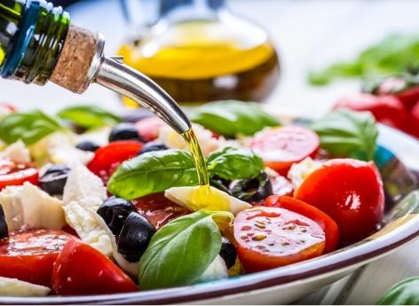 Apport calorique : le régime méditerranéen limite les portions alimentaires consommées