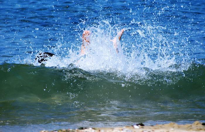 Noyade secondaire : elle survient à distance de la baignade