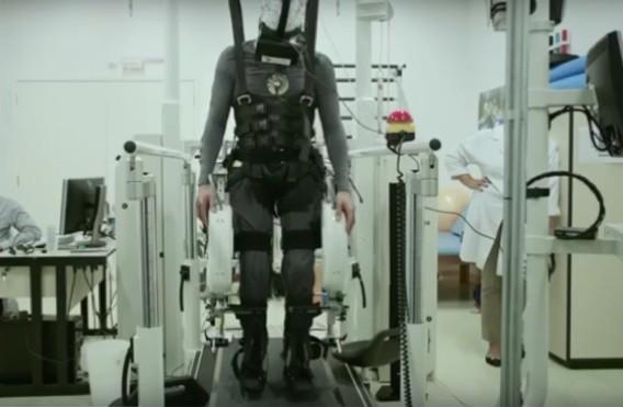 Paraplégie : la réalité virtuelle pourrait aider à retrouver le contrôle de certains muscles