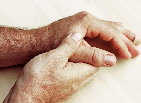 PR et prothèse : les corticoïdes associés à une augmentation du risque d'infections