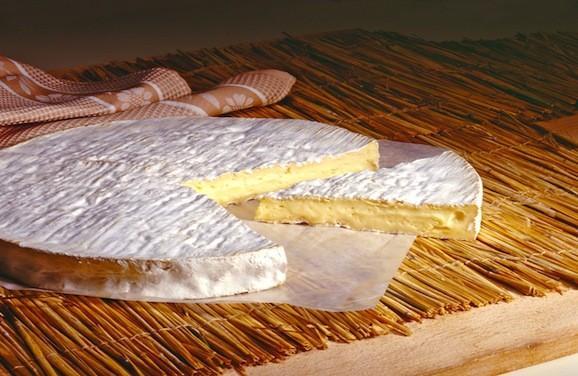 Des bries truffés de Listeria retirés de la vente