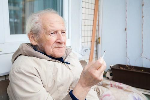 Pneumonie : tabagisme et vitamine E ne font pas bon ménage