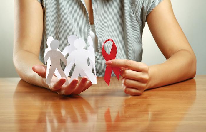 VIH : un anticorps trivalent combattrait plus efficacement le virus