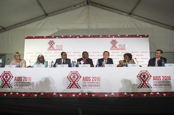 SIDA : traiter tôt réduit de 96 % les transmissions
