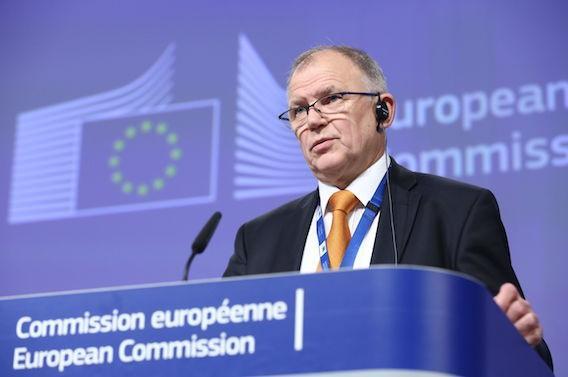 Perturbateurs endocriniens : la Commission Européenne engluée dans les conflits d'intérêt
